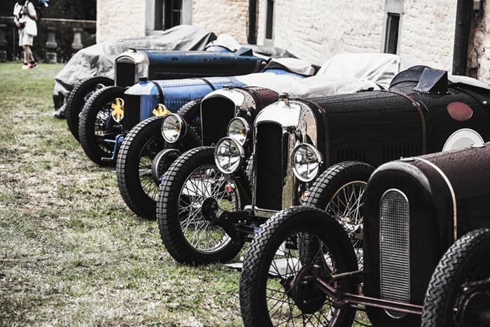 monteur-vintage-car-service